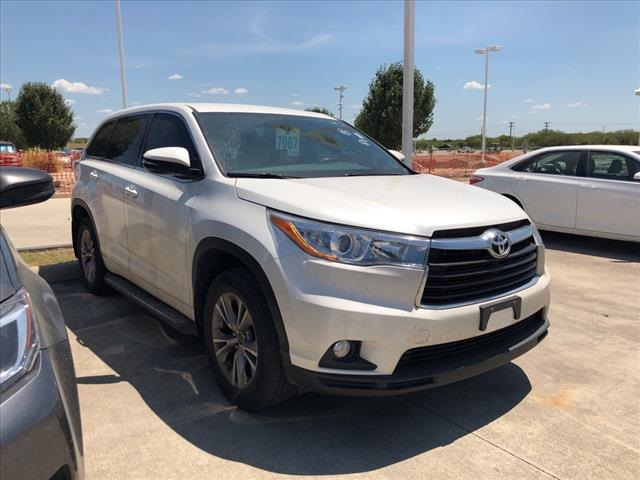 Certified Pre Owned 2016 Toyota Highlander Le Plus V6 Fwd 4d Sport Utility