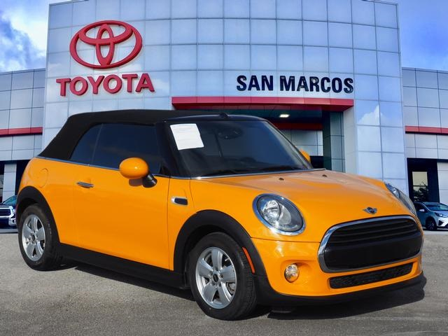 Pre Owned 2016 Mini Cooper Base